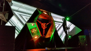Triangles at Manifest
